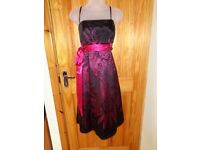 GORGEOUS.DEBUT.SIZE 12.PARTY/XMAS/CRUISE DRESS.LINED AND BONED.DETACHABLE STRAPS.