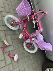 Raleigh girls bike lovely 😊 with stabilisers and basket £20