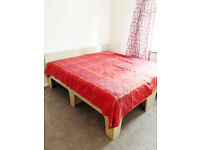 Lovely Double Room in Barking, IG11