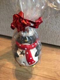 Penguin tea light holder including tea lights christmas gift