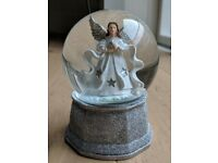 Angel Christmas snow globe
