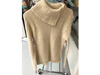 Nicole farhi jumper in medium 60%alpaca 40%acrylic. Barely worn as I am allergic to wool!