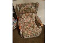 Electric riser recliner arm chair