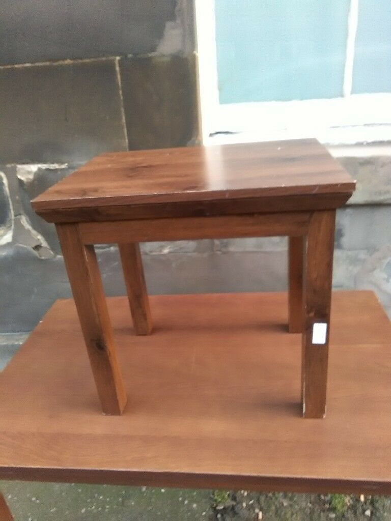 2 Small bedside tables