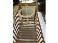 Mamas & Papas cot, excellent condition, very sturdy, multi-level, with mobile and mattress