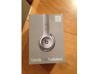BOXED Beats by Dr. Dre Solo2 Wireless Headband Wireless Headphones - Space Grey
