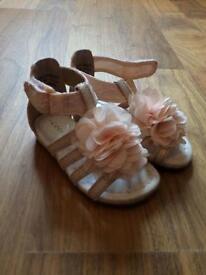 Gorgeous pink flower detail sandals size 5