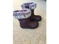 Clarks girls boots size 5 1/2 G