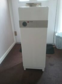 Amcor Dehumidifier Model D25B&Q 220/240v 230w White. Made in Israel in 1993 In Very good condition