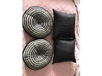 4 black cushions