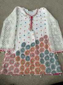 Girl Pakistani Suit size 9 years old
