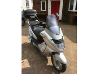 Superb Maxi Scooter with Large Givi Back box