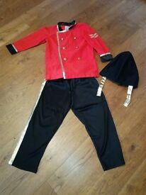 Queens Guard Soldiers Costume 6-7