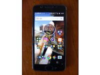 Motorola Moto G5 (dual sim) - Unlocked with box, case, charger and tempered glass screen protector
