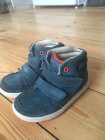 Clarks infant size 6G shoes