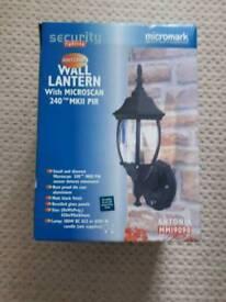 Wall lantern security lighting