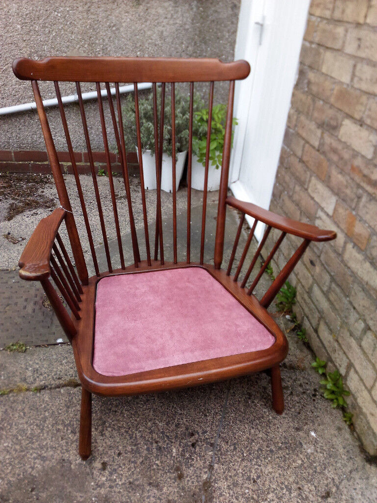 Ercol Windsor Armchair / Large Firside Chair | in ...