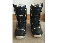 SOLOMON (F20- self2) Men's snowboard boots- UK size 9 in great condition