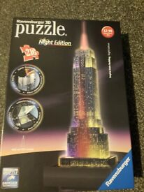 Ravensburger 3D Puzzle - Empire State Building - Night Edition - Never been opened