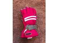 Ski gloves shin pads