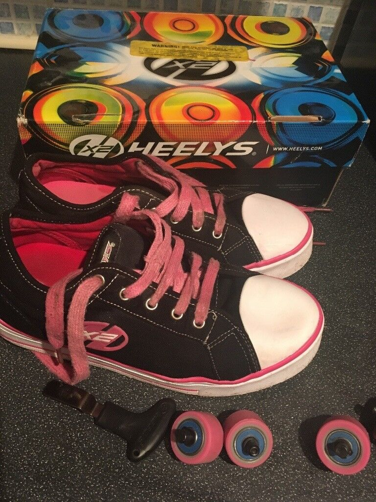 Girls size 5 official HELLYS