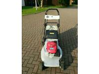 Honda self propelled 5.5hp petrol lawnmower