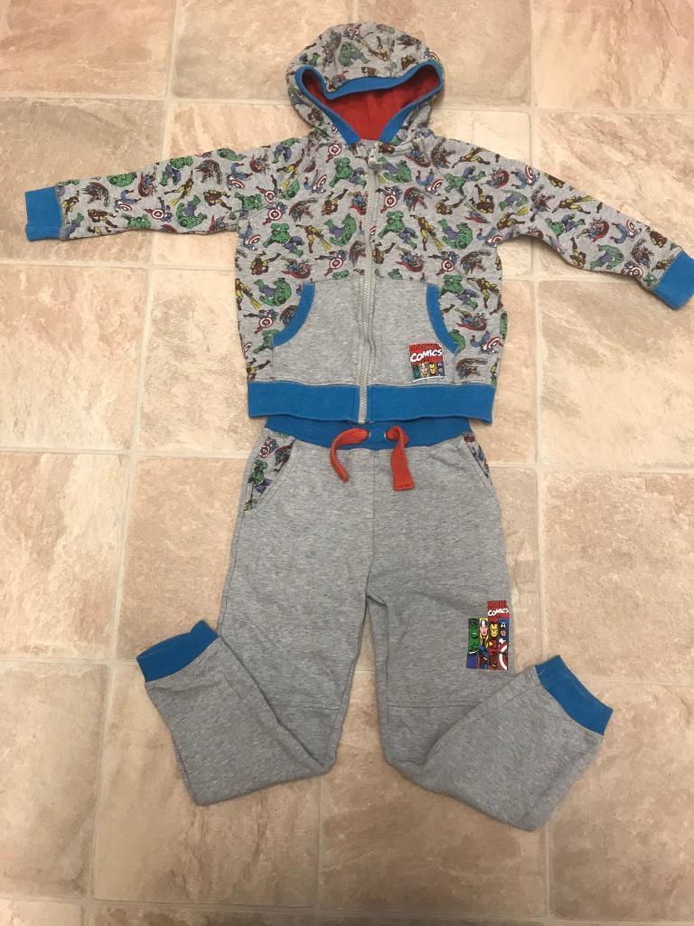 Marvel Avengers Tracksuitin Wymondham, NorfolkGumtree - Marvel Avengers Tracksuit in excellent condition size 5/6 years Possible local delivery