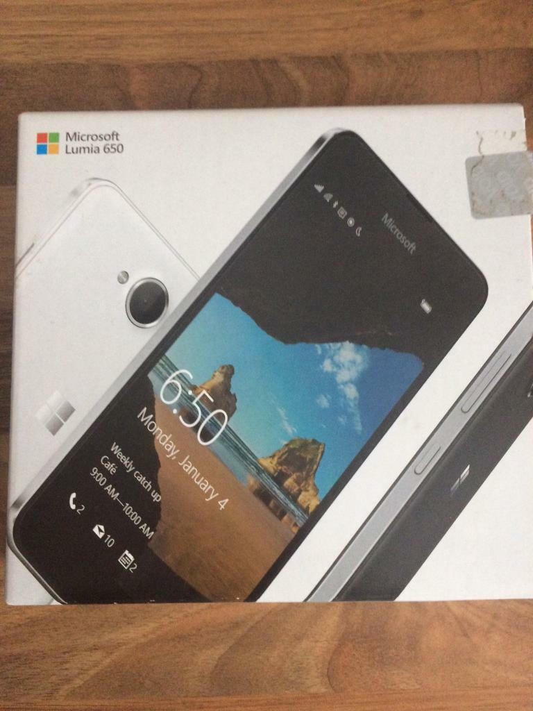 """Microsoft Lumia 650 excellent conditionin Southport, MerseysideGumtree - Microsoft lumia 650 on EE16gb, 4G LTE, 5""""screen.Been well looked after with tempered glass on screen and gel case boxed with charger"""