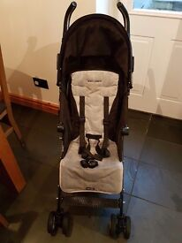 Maclaren quest black stroller for sale in good used condition comes with rain cover and parasol
