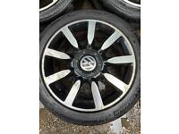 VW Golf 3 wheels R17 Inch with tyres ( rubbers )225/45
