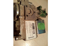 Honeywell Gas Valve VK4105M 2006 2