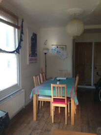 Double room in Bishopston houseshare