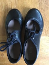 Kids Bloch tap shoes size 10.5