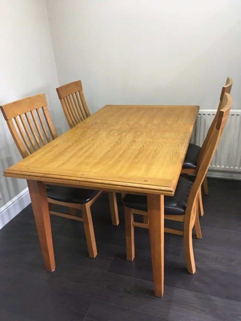 Extending Oak Dining Table And 4 Chairs