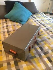 Habitat metal trunk / suitcase