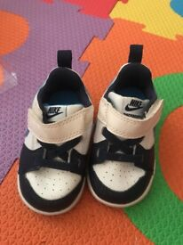 Nike trainers toddler size 3