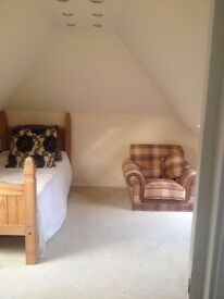 """Virtual Flat"" - 2 Large Unfurn Loft Rooms + Toilet/Bath @ £112.50pw/£450 Month Inc Utility Bills"""