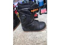 Men's size 9uk Thirtytwo double boa snowboard boots