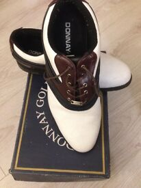 Donnay golf shoes 10 size in perfect condition