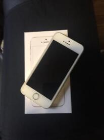 iPhone SE, 32 GB, UNLOCKED - Immaculate condition