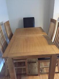 Next Cambridge Range 6 Seat Extendable Dining Table