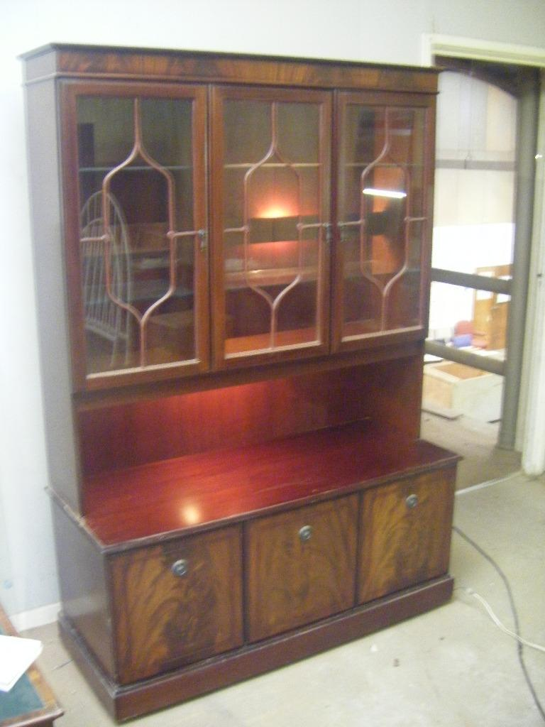 Beautiful mahogany display cabinets with lights in for Kitchen cabinets gumtree