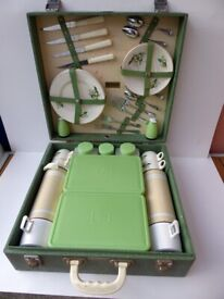 Picnic Hamper. Vintage. Mid century. Complete four settings. China tea set. Brexton.