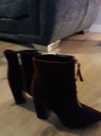 Guess velvet ankle boots small size 5
