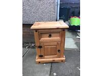 Small bedside table in Mexican pine.