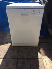 **ZANUSSI DISHWASHER**60CM**ENERGY RATING: A**MINT CONDITION**COLLECTION\DELIVERY**NO OFFERS**