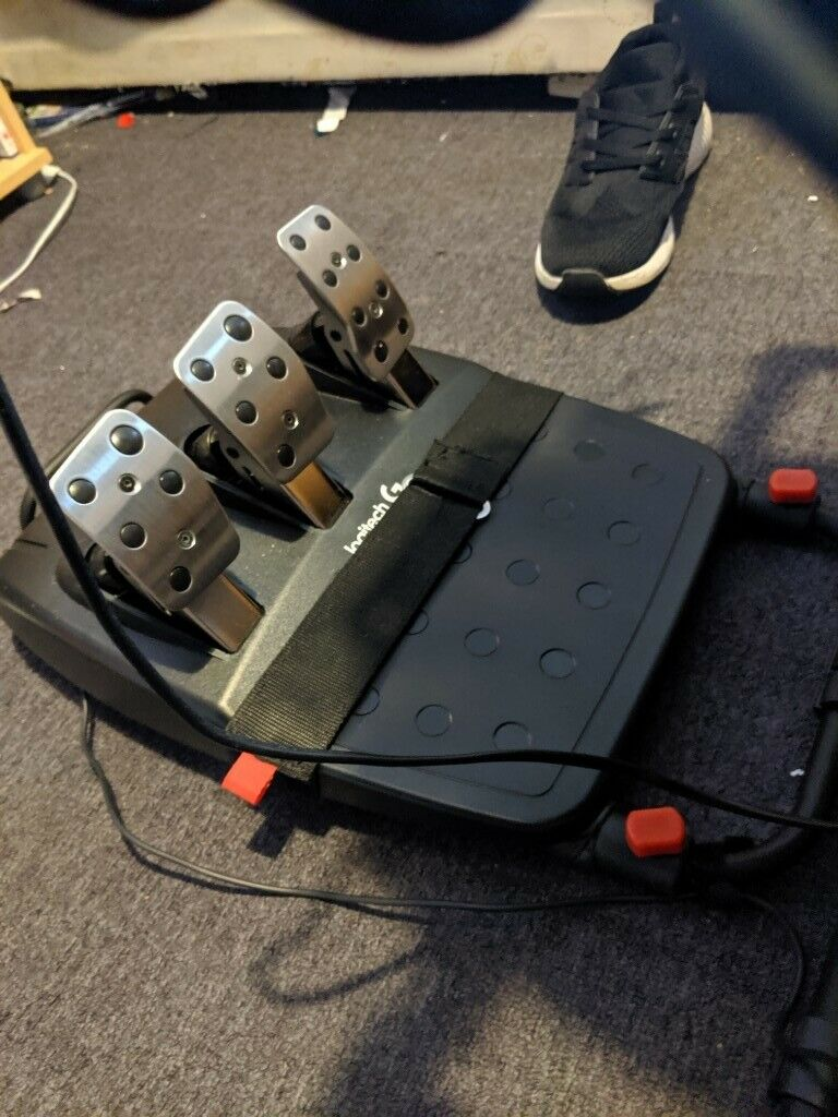 PS4/PC simulation/ racing set up, G29 wheel, pedals and gear shifter, with  Playseat challenge   in Spilsby, Lincolnshire   Gumtree