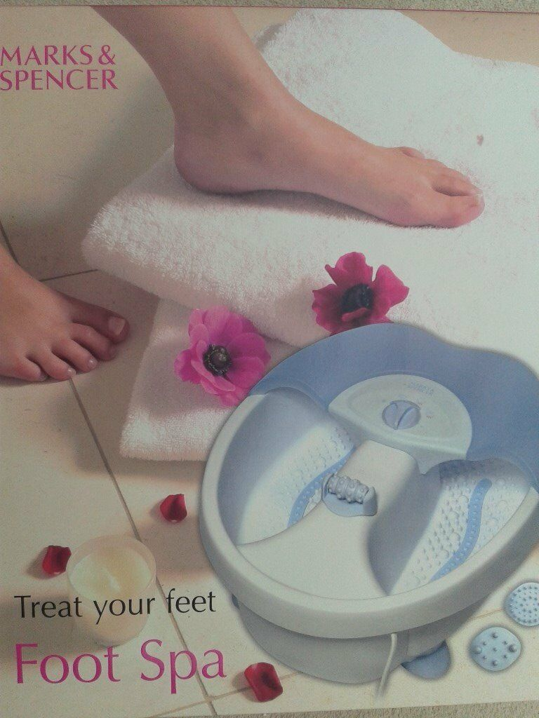 M&S FOOT SPA/BATH ... boxed & unopened. Bubbles, Heat and Massage ...