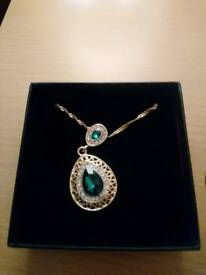 Lovely emerald and gold pendant