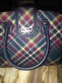 Handbag Ness